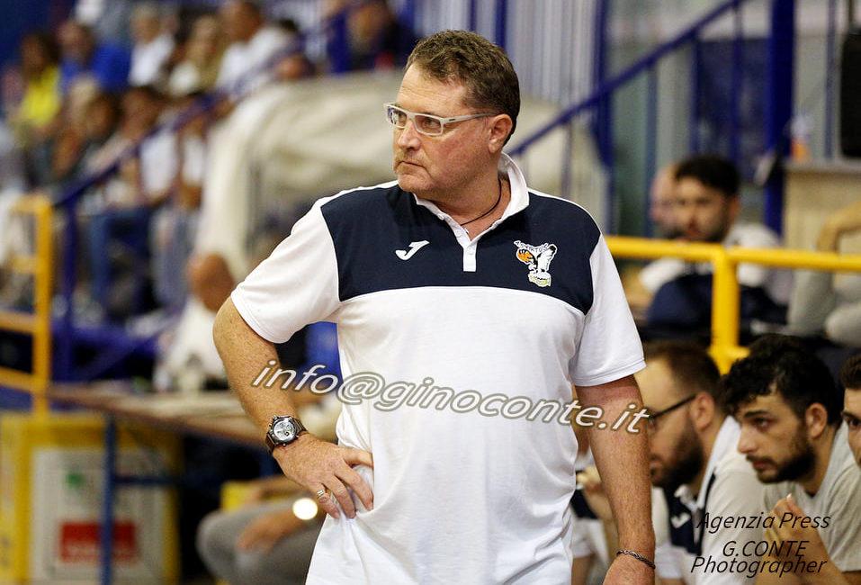 Coach Mariano Gentile